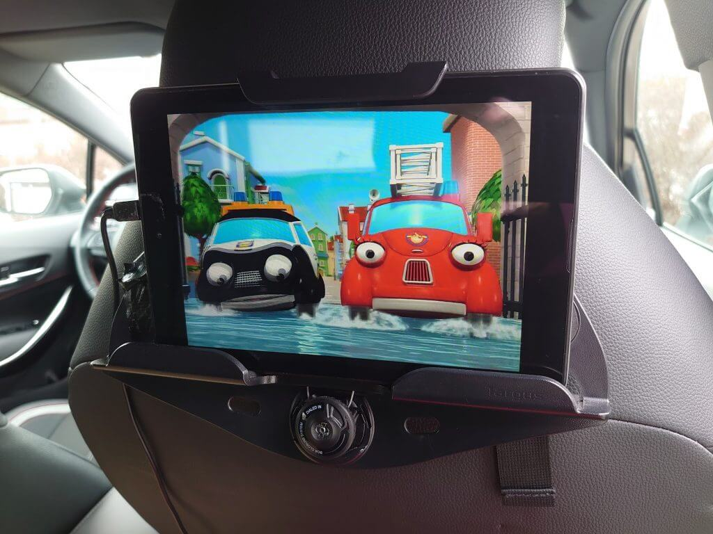 What to do with an old tablet, Entertainment system
